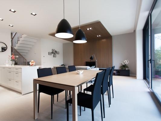 Šviesios vinilinės grindys namuose