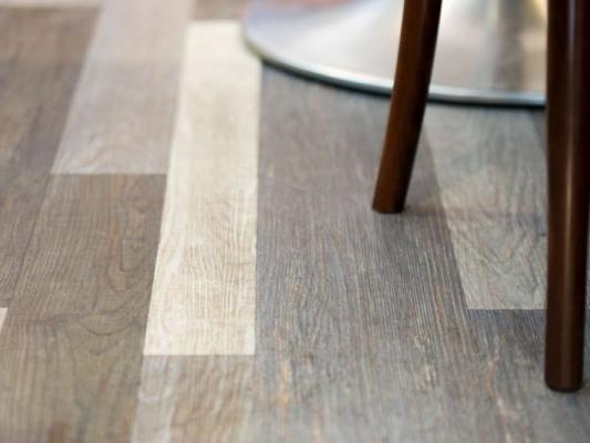 Medžio imitacijos vinilinės grindys