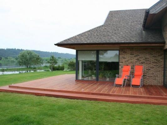 Medinė terasa